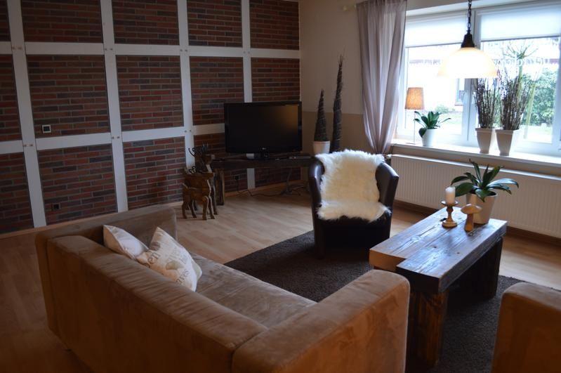 Wohnraum mit Fachwerkwand
