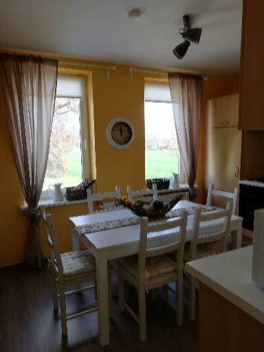 Gelbe Wohnung Küche